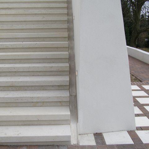 massive Steintreppe - Qualitätsprüfung