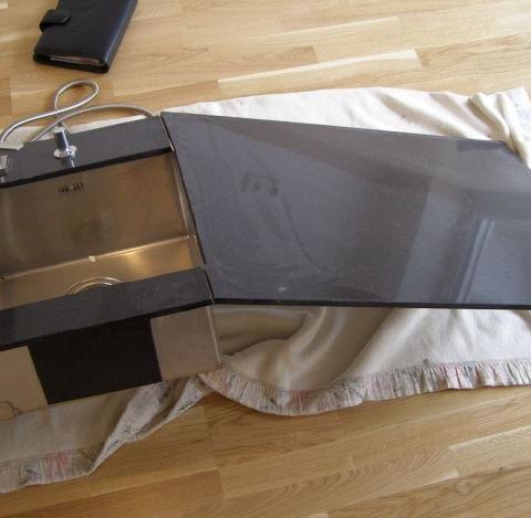 beschädigte Küchenarbeitsplatte - Schaden Aufnahme Kostenermittlung