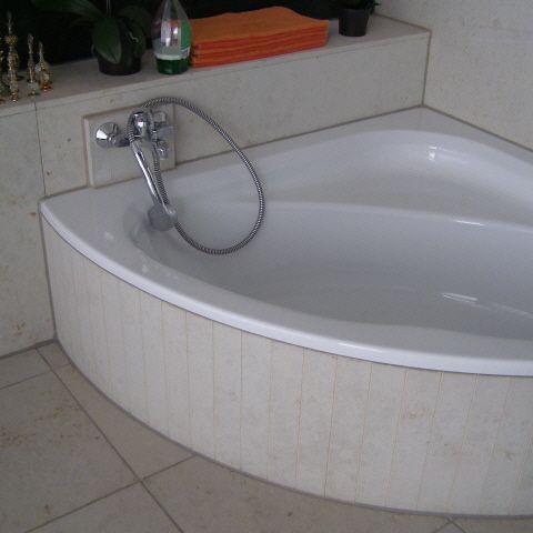 Natursteinbelag Bad - Wasserschaden Schadensaufnahme